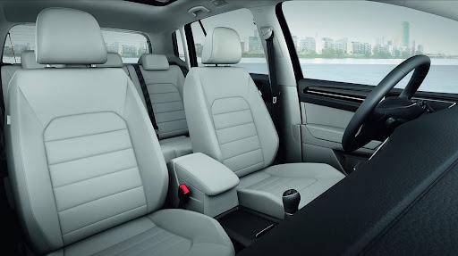 VW-Golf-Sportvan-Concept-09.jpg