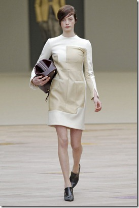 CELINE-FALL-RTW-2011-PODIUM-024_runway