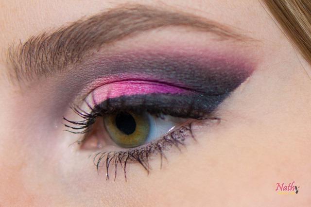close olhos maquiagem sombra rosa