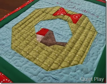 Quilting on Christmas Robin mini