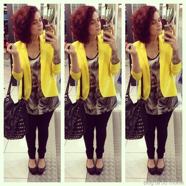look blazer amarelo, blusa estampada e jeans preto (2)