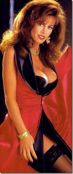 80s-cleavage-love-4