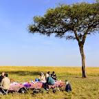 Frühstück im Busch nach der Ballonfahrt © Foto: S.Schlesinger | Outback Africa Erlebnisreisen
