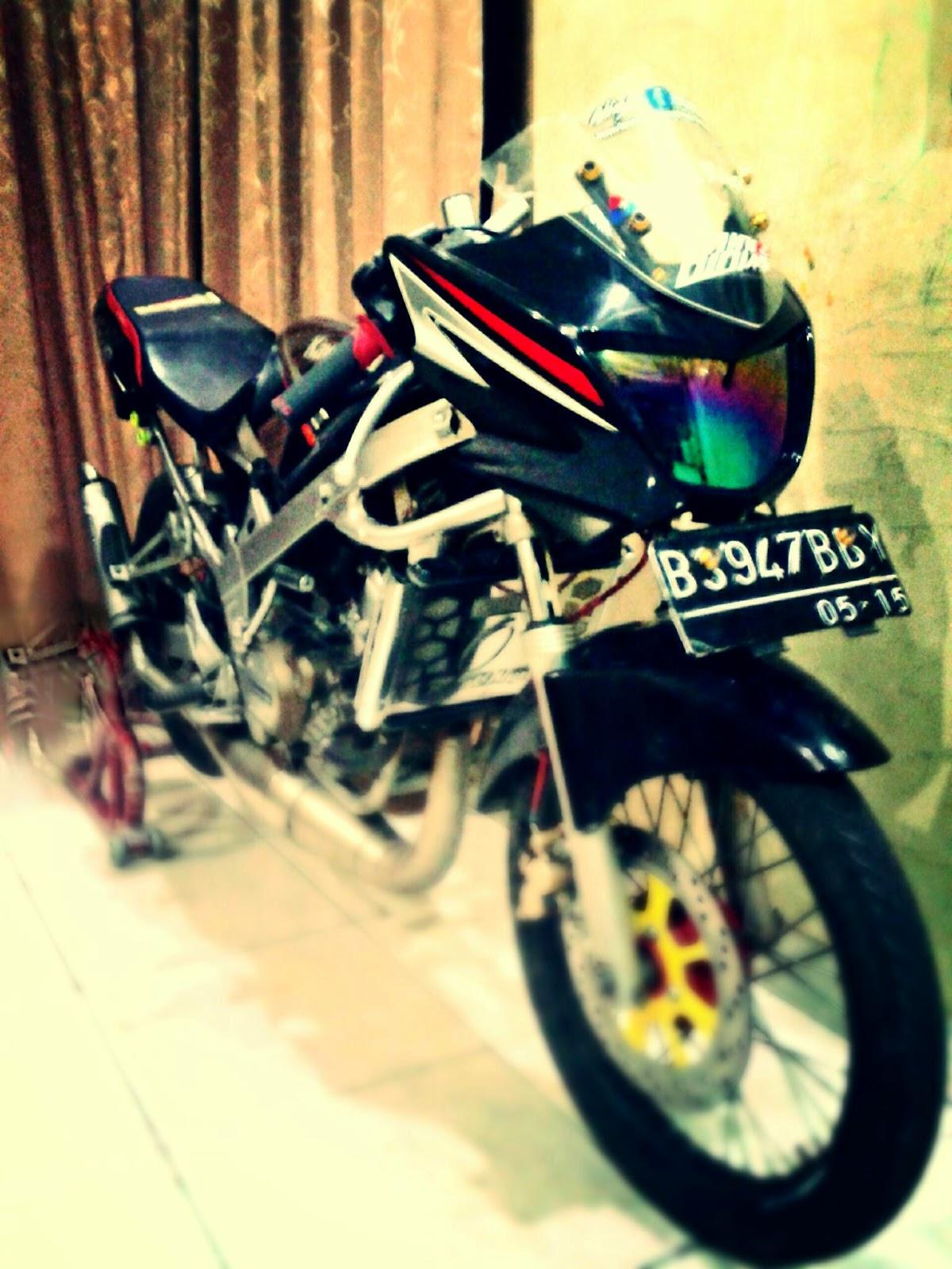 modifikasi motor ninja r warna hitam terkeren