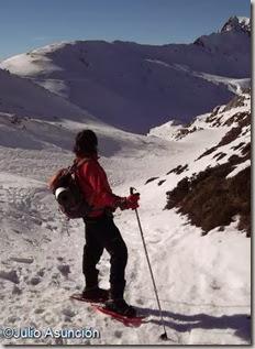Ruta de raquetas de nieve en el valle del Roncal