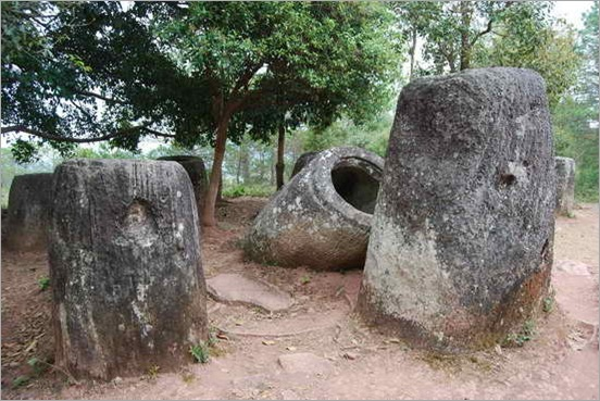 Plain-of-Jars_Phonsavan_01