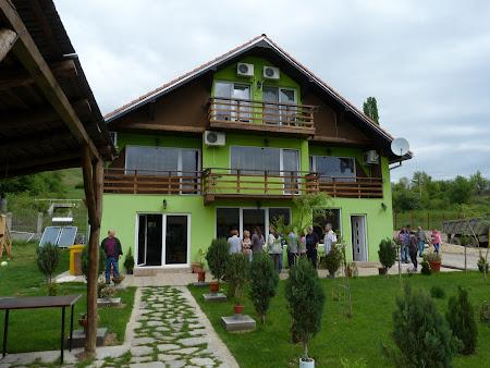 Cazare Cazane: Pensiunea Danubia