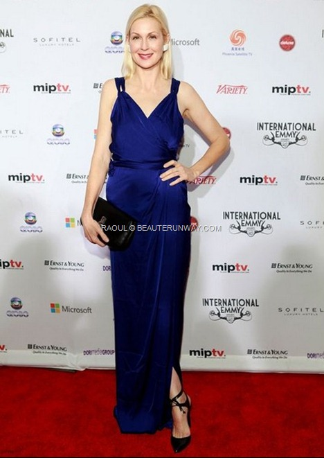RAOUL SPRING SUMMER 2013 FALL WINTER KELLY RUTHERFORD IN BITA BOW MAXI DRESS CRUISE RESORT COLLECTION BRITT CLUTCH CELINA DRESS  40th International Emmy Awards New York City.