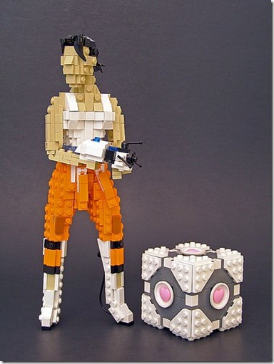 portal chell and companion cube in lego 01b