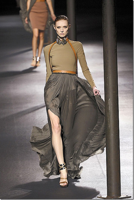 Lanvin-SPRING-2011-RTW-PODIUM-003_runway