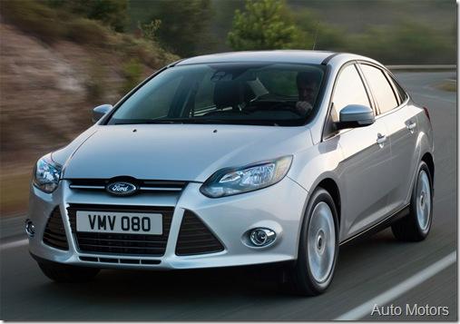 Ford_Focus_2013 prata