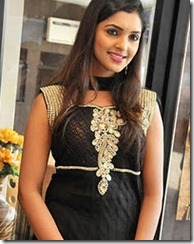 Sanchita Padukone in churidar