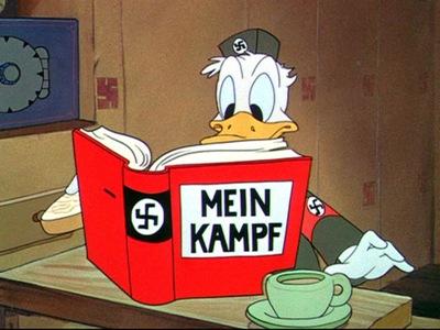 Pato Donald Nazista - Priscila e Maxwell Palheta