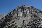 Une dernière pour la route, avant de quitter Yosemite pour des régions bien plus arides. On voit d'ailleurs que les montagnes commencent déjà à peler un peu...