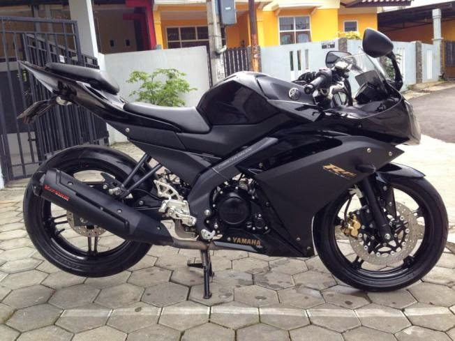 Modifikasi Motor Yamaha R15 Striping Sticker Keren