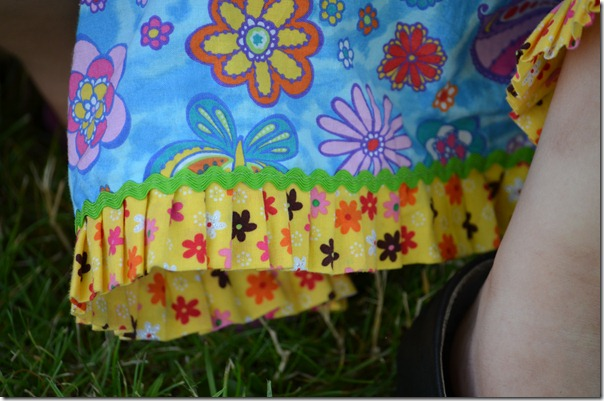 skirt detail, doll bed, front flowers 077