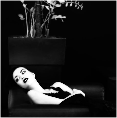 Inside her box, Aleksander Smid
