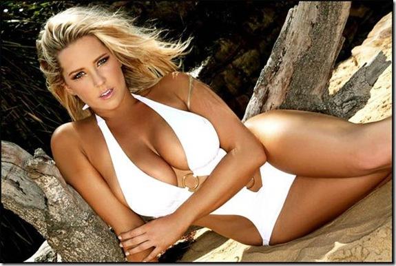 Jessie-Byrne-big-chest-6