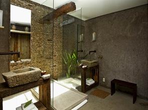 hotel-ecologico-y-moderno-baño-rustico