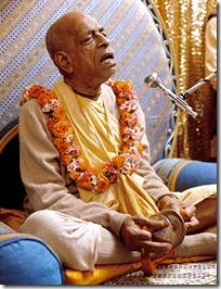 Prabhupada chanting