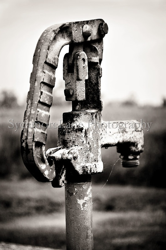 water pump black and white