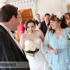 Wokefield-Park-Wedding-Photography-LJP-RCG-(16).jpg