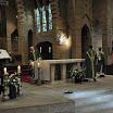 21_Priester_en Diaken_Ontbloten_het_altaar.jpg