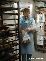 Werken op het ATC (arbeids trainings centrum): oa. inpakwerk en hout kloven of tijdens de externe stage bij de bakker of de slager veel werkervaring opdoen (4)