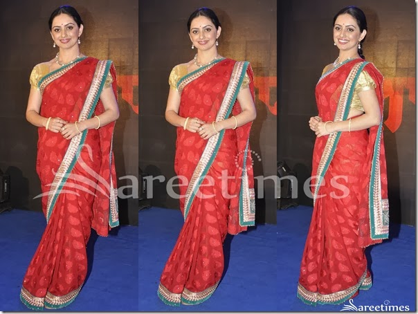 Red_Embellished_Net_Saree