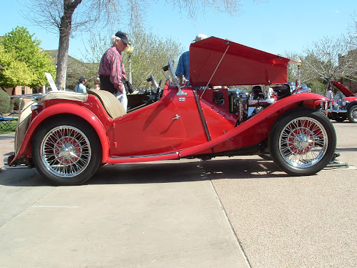 1948 MG TC - Side