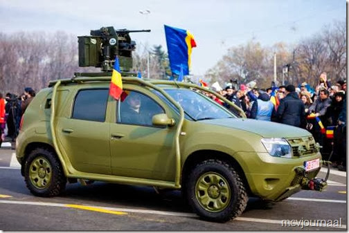 Dacia Duster in legeruitvoering 01