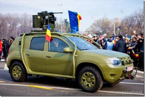 Dacia Duster in legeruitvoering 01