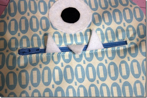 17 use zipper foot and sew zipper in place_touch up
