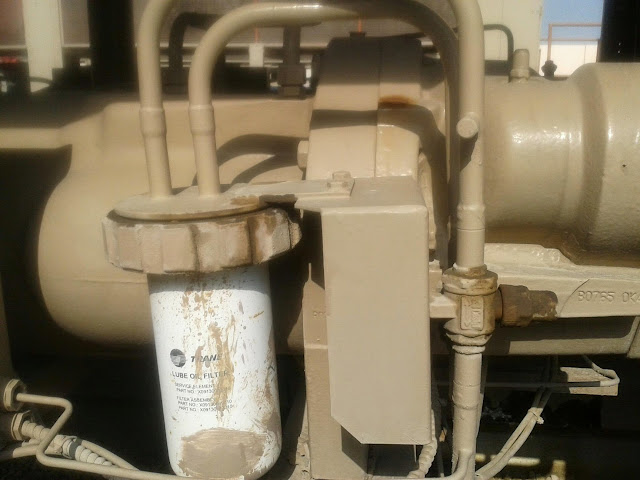 Trane Fluid Coolers : How to change screw compressor oil filter