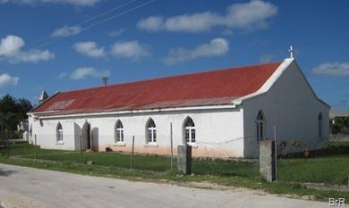 Kirche_mitten_im_Dorf