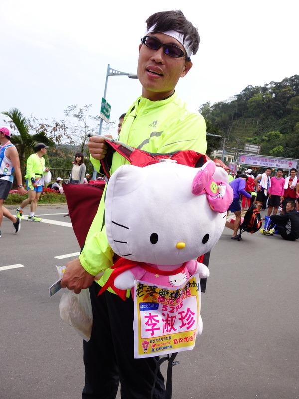 2013_0310 落紅的北馬雙溪櫻花馬_060
