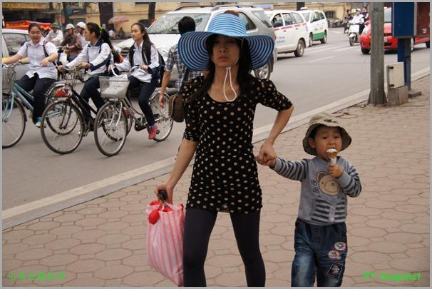 小孩与脚车