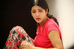 Shruti Hassan Hot in 3 Movie Stills