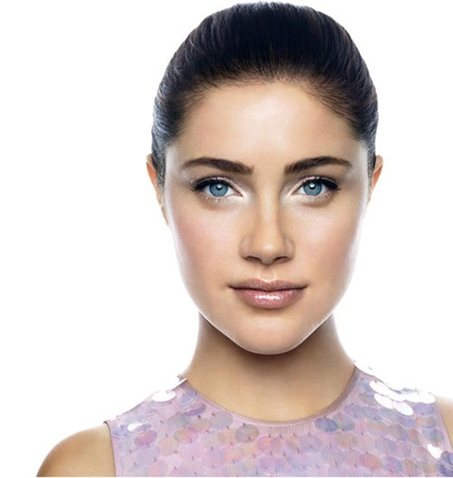1-Bobbi-Brown-Spring-2013-Makeup-Collection-Model