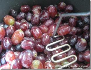 mash grapes 1