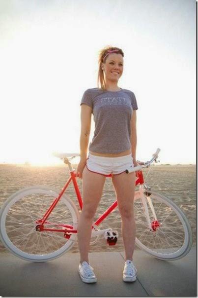 girls-riding-bicycles-013