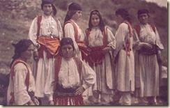 Gratë e Mirditës. (foto, Luigi Pellerano)