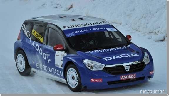 Dacia Lodgy Isola 2000 03_thumb[1]