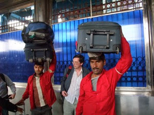 Delhi Railway Porters 001