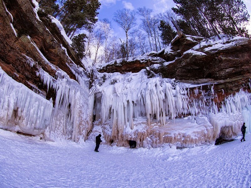 lake-superior-ice-cave-7