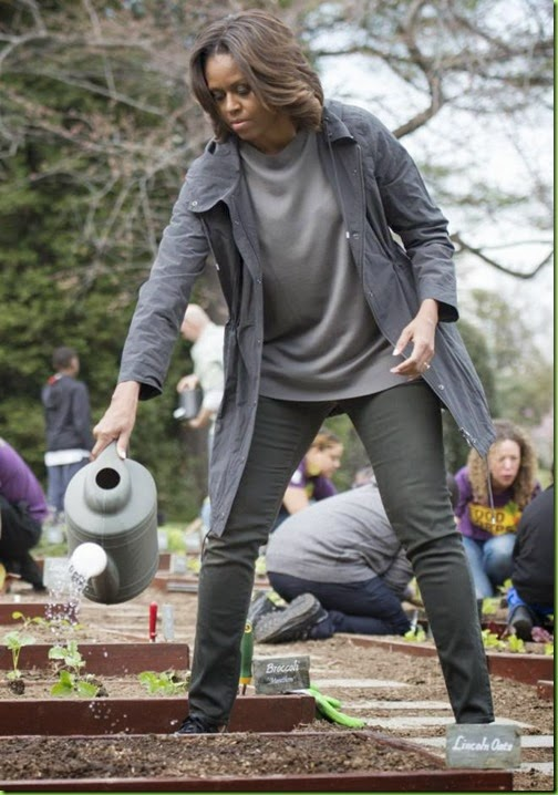 first-lady-garden-planting-1