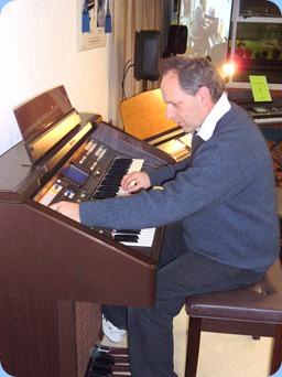 Doug Farr winding the Technics GA3 organ up
