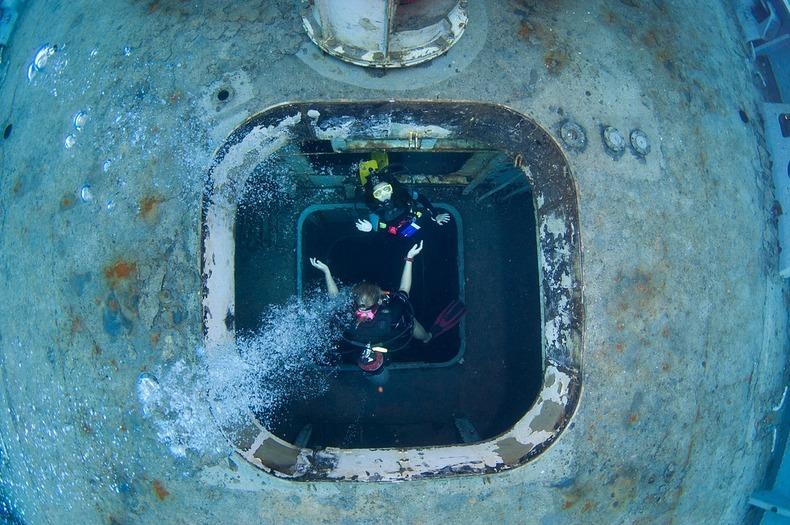 cayman-island-shipwreck-4