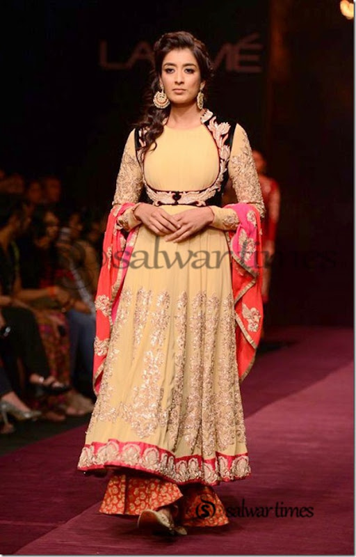 Shyamal_and_Bhumika_Collection_at_Lakme_Fashion_Week_2013 (3)