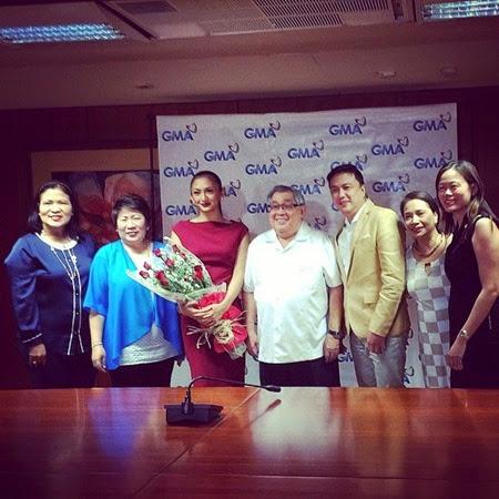 Iya Villania contract signing with GMA-7